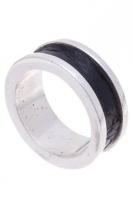 Кольцо из серебра с кожей каймана