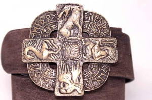 Ремень из кожи авторский Славянские Руны бронза