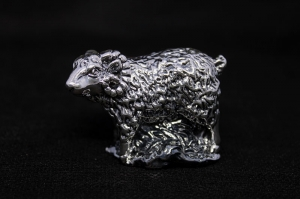 Статуэтка из серебра Барашек