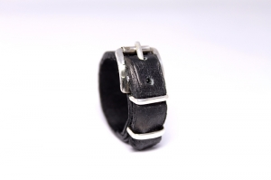 Кольцо из кожи крокодила с серебром Лука