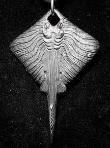 Кулон из серебра авторский Скат
