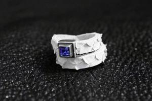 Кольцо из кожи питона Верси